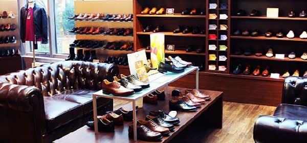 Frühjahrskollektion von verschiedenen Schuhen