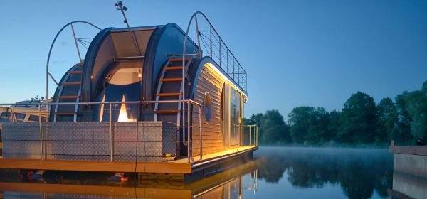 Hausboot in der Exempla