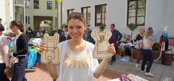 Sarah bei Flohmarkt