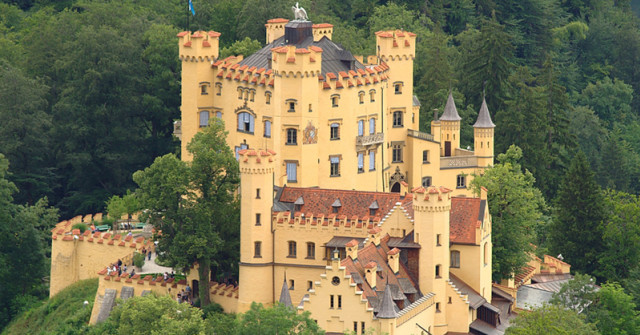 schloss hohenschwangau schwangau das offizielle stadtportal. Black Bedroom Furniture Sets. Home Design Ideas